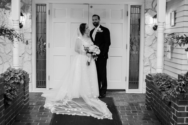 Travis + Erica {Issaquah – Tibbets Creek Manor Wedding}