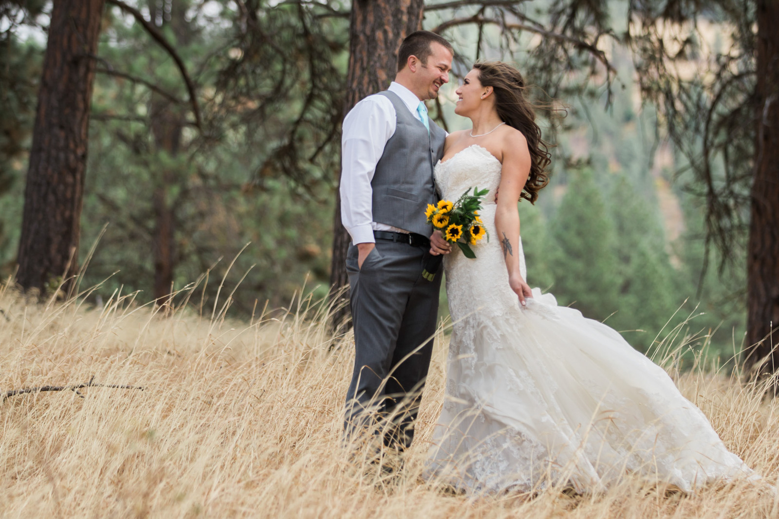 Weddings and Engagements -16 - Cle Elum The Cattle Barn Wedding Photography